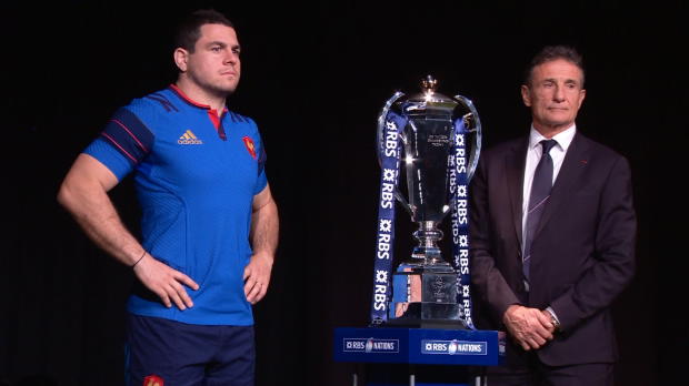 XV de France - Six nations - la premi�re pierre de Nov�s