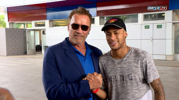Arnie meets Neymar! Schwarzenegger bei Barca
