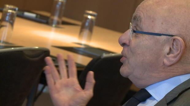 Van Praag abandona su candidatura a la FIFA