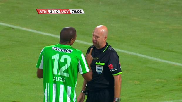 "Foot : Video - Sudamericana : L'arbitre refuse injustement un chef d""uvre !"
