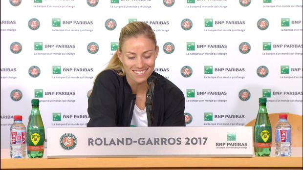 "French Open: Kerber: ""Versuche Sand zu lieben"""