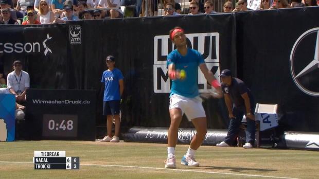 Stuttgart: Sieg! Nadal kann's auch auf Rasen
