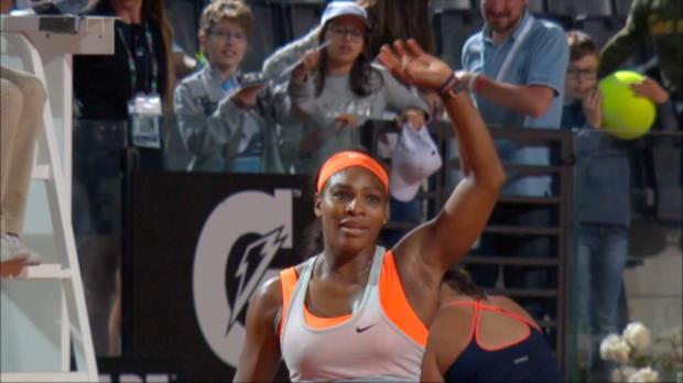 Rom: Serena locker, Azarenka wackelt kurz