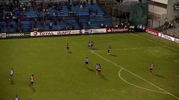 Foot : Video - C. Sudamericana ? Le magnifique but de Gimenez