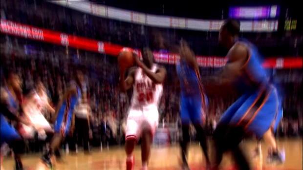 Basket : NBA - OKC - L'énorme bloc d'Ibaka