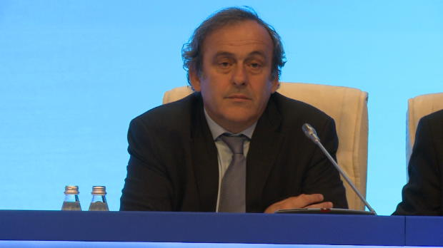 Elecciones FIFA - Platini anuncia su candidatura