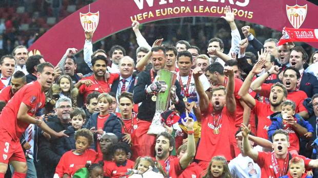 Sevilla dank Bacca-Doppelpack Rekordchampion!