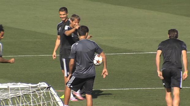 Avant d'affronter Granada samedi pour tenter de décrocher une 11e victoire de suite, le coach des Merengue est intervenu en conférence de presse pour défendre Zinedine Zidane,sanctionné pour défaut de diplôme.
