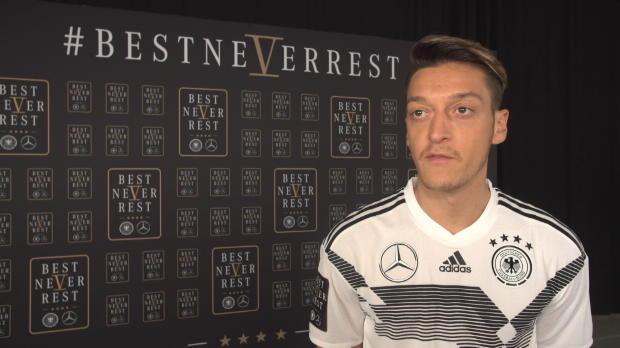 """Özil vor Russland: """"Wollen Titel verteidigen"""""""