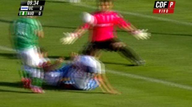 Foot : Video - Chili : Costanzo fait un superbe arrêt... de la tête