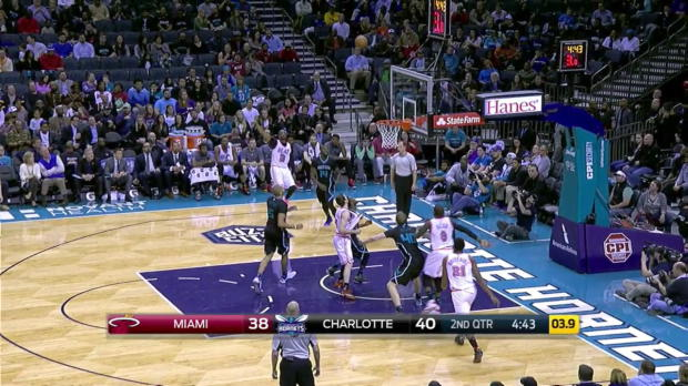 WSC: Highlights: Dwyane Wade (22 points) vs. the Hornets, 2/5/2016