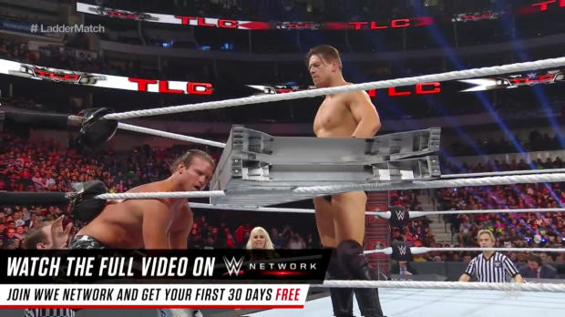 Dolph Ziggler climbs the ladder against The Miz: WWE TLC 2016