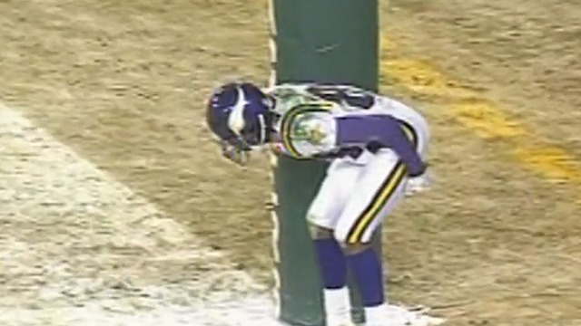 Randy Moss 'moons' Lambeau Field