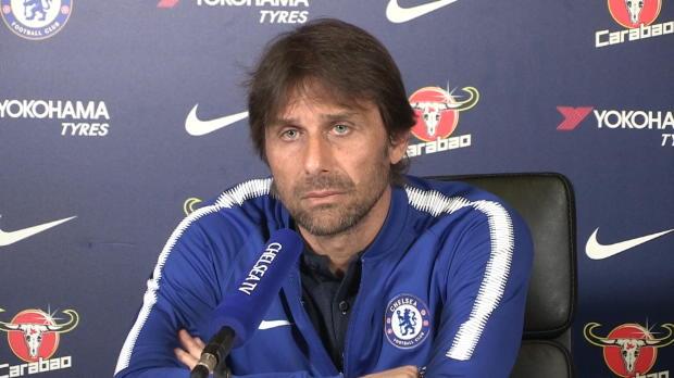 Während PK: Conte erhält Anruf seiner Frau