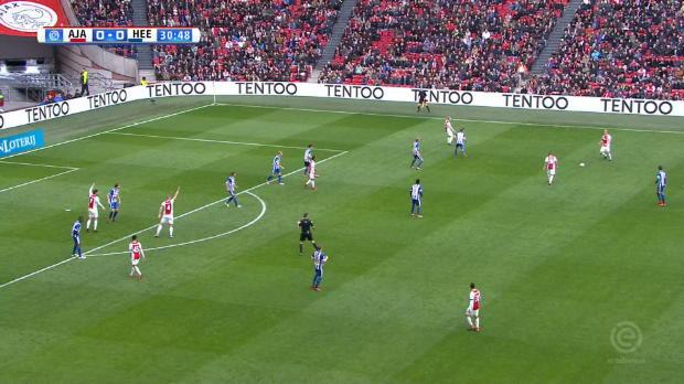 4:1! Ajax macht Boden gut im Titelkampf