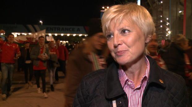 CdM 2015 - Une supportrice anglaise craque pour un Gallois