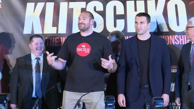 Boxen: Fury mit Tanzeinlage neben Klitschko