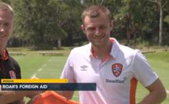 Melbourne-born Greek defender Avram Papadopoulos was unveiled by Brisbane Roar on Thursday.