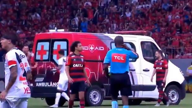 Brasilien: Anschieben bitte! Krankenwagen bleibt stecken