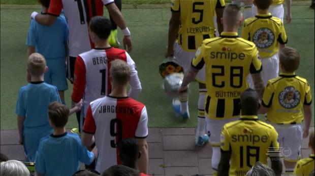Ajax patzt, Feyenoord fast schon Meister