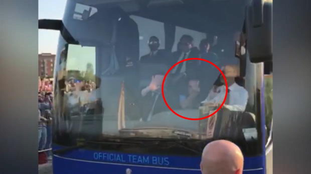 Maurizio Sarri zeigt Juve-Fans den Finger