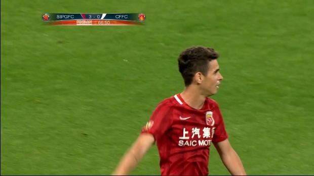 Oscar marca de penalti para derrotar a Pellegrini