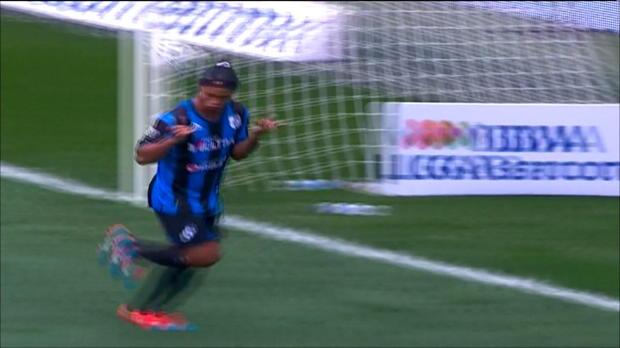 Un gardien chinois qui craque, Ronaldinho qui brille au Mexique et le FC Porto qui manque de chance : voilà le sommaire de ce Best of du 22 septembre !