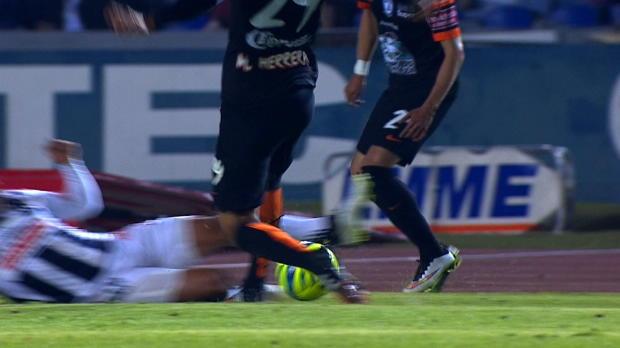 M�xico - Patada no intencionada en la cara a Ram�rez