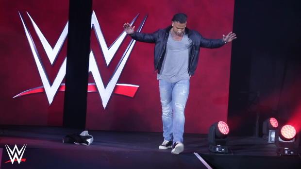 WWE: Gänsehaut! Wieses erster Ring-Einmarsch