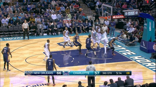 Block of the Night: Michael Kidd-Gilchrist