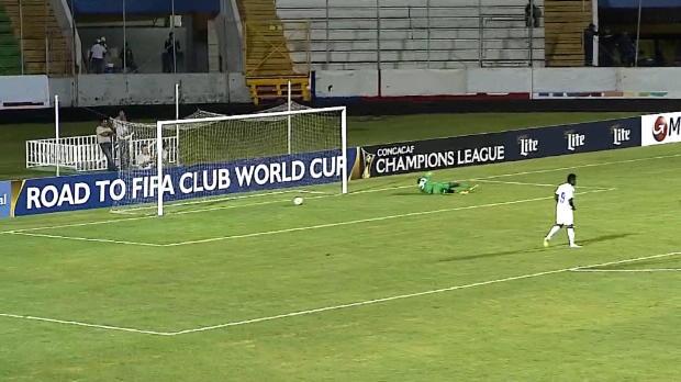 Le milieu du CD Olimpia Oliver Morazan a inscrit un magnifique but lors de la victoire 6-0 contre l'Alpha United en Ligue des Champions CONCACAF.