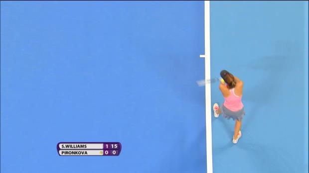 L'Américaine Serena Williams est facilement venue à bout de la Bulgare Tsvetana Pironkova au 2e tour de l'Open de Chine. Mardi, la N.1 mondiale s'est qualifiée pour le prochain tour où elle affrontera la Tchèque Lucie Safarova