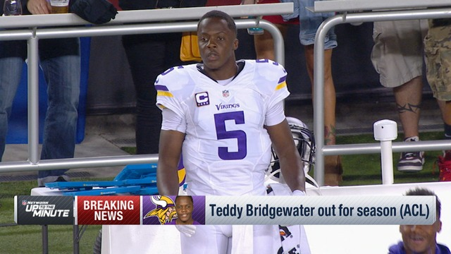 Teddy Bridgewater tears ACL, out for season