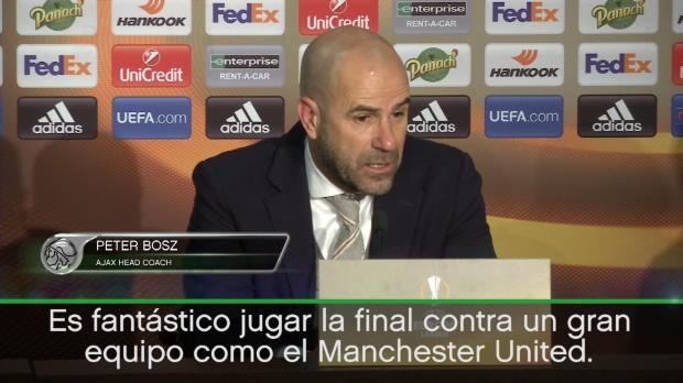 """Peter Bosz: """"Es un placer jugar la final contra el Manchester United"""""""