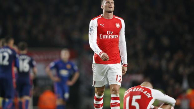 La pilule était amère à l'issue de la défaite des Gunners samedi à l'Emirates Stadium face à Manchester United dans une rencontre archi-dominée par Arsenal. En conférence de presse, Arsène Wenger a du sortir l'extincteur pour éteindre le flot de critiques alors qu'Arsenal s'enfonce dans le ventre mou du championnat avec une 8e place, indigne des prétentions du club.