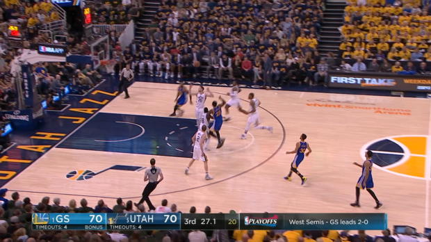 Dunk of the Night - Andre Iguodala