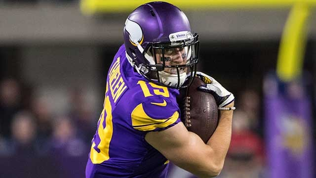 Adam Thielen fumbles on punt return, Cowboys recover