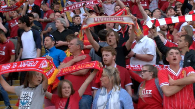 Liverpool fans sing 'You'll Never Walk Alone' at Anfield Thumbnail