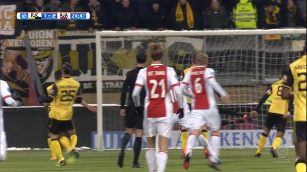 Ziyech hämmert Ajax auf die Siegerstraße
