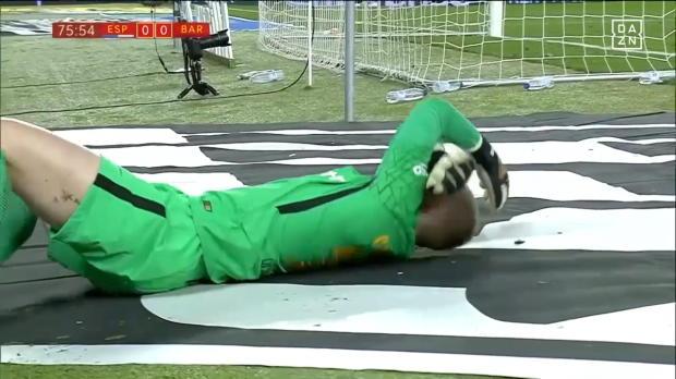 Copa del Rey: Wurfgeschoss verletzt Barca-Keeper