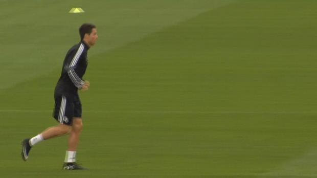 Pour le milieu de terrain espagnol Xabi Alonso, Manuel Neuer mériterait davantage la distinction suprême que le Portugais.