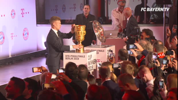 So feierten die Bayern den Pokalsieg