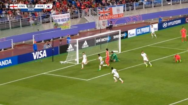 لقطة: كرة قدم: دويل لاعب إيفرتون يرسل انكلترا الى المراحل الإقصائية