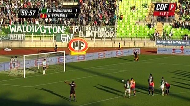 Jorge Luna, le milieu de terrain des Santiago Wanderers a marqué une panenka parfaitement éxécutée lors de la défaite de son équipe face à l'Union Espanola.