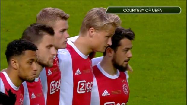 كرة قدم: يوروباليغ: دقيقة صمت حدادا على ضحايا مانشستر قبيل انطلاق النهائي الحلم