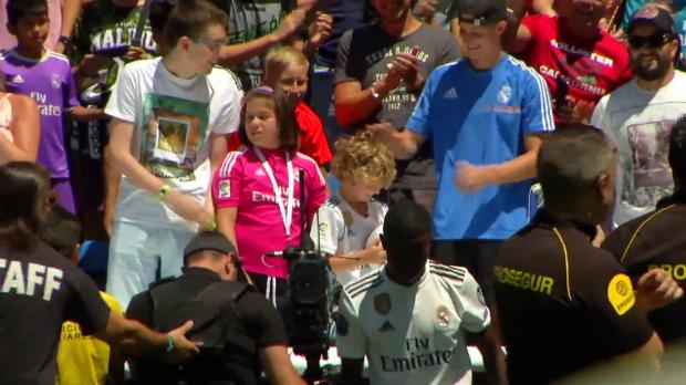 Wunderkind Vinicius bei Real vorgestellt