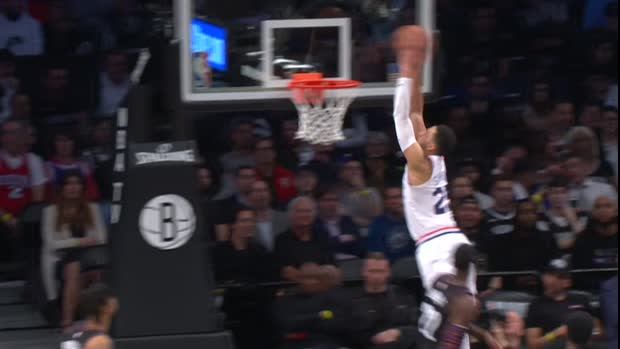 Dunk of the Night : Ben Simmons