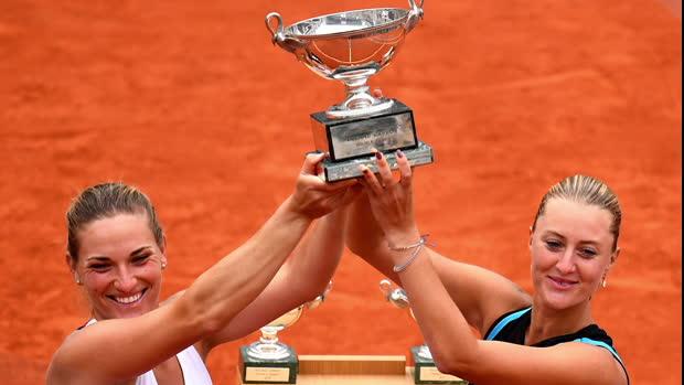 """Tennis : Roland-Garros - Mladenovic - """"Incroyable de gagner ici avec ma meilleure amie"""""""