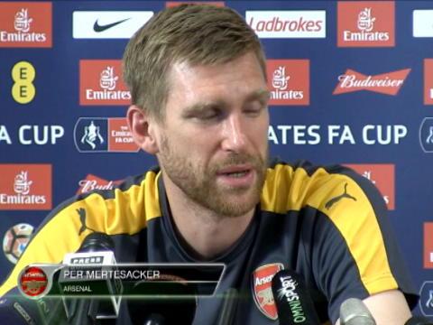 كرة قدم: كأس الإتحاد: فينغر غير مسؤول عن موسم أرسنال السيئ - ميرتيساكر