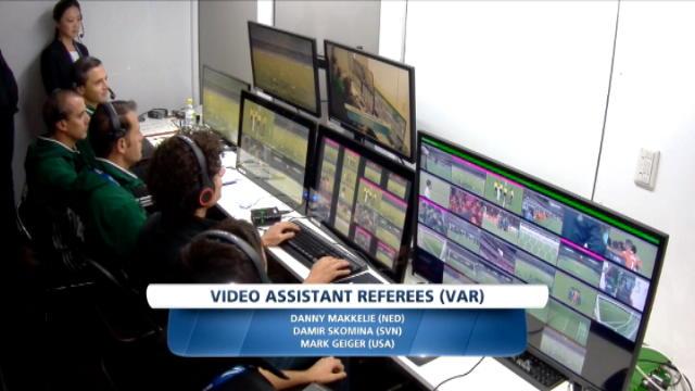 لقطة: كرة قدم: تفعيل تقنية الإعادة بالفيديو لأوّل مرّة في كأس العالم للأندية